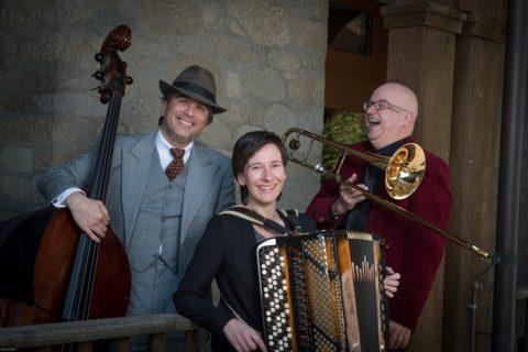 Trio Cappella