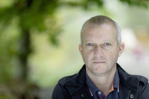 Simon Enzler – VERSCHOBEN – neuer Termin wird ab 8. Juni bekannt gegeben